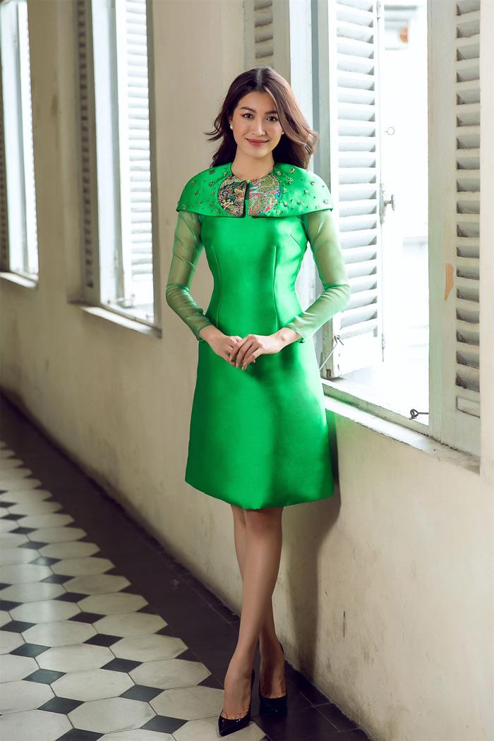 Đón thu rực rỡ với loạt váy đẹp miễn chê của á hậu lệ hằng - 10