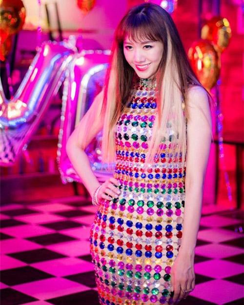 Fan thích thú với những kiểu tóc đẹp mê hồn trong mv mới của hari won - 5