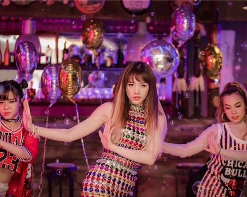 Fan thích thú với những kiểu tóc đẹp mê hồn trong mv mới của hari won - 6