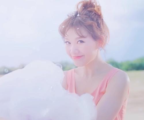 Fan thích thú với những kiểu tóc đẹp mê hồn trong mv mới của hari won - 7