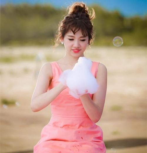 Fan thích thú với những kiểu tóc đẹp mê hồn trong mv mới của hari won - 9