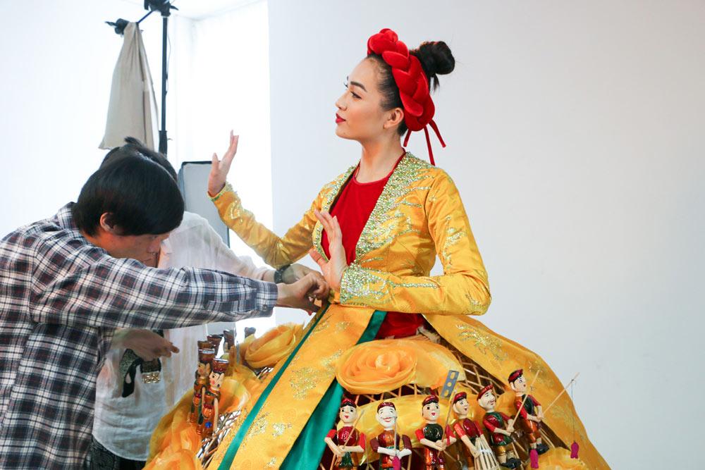 Lần đầu tiên trong lịch sử trang phục dân tộc của việt nam mới lạ và độc đáo đến thế - 13