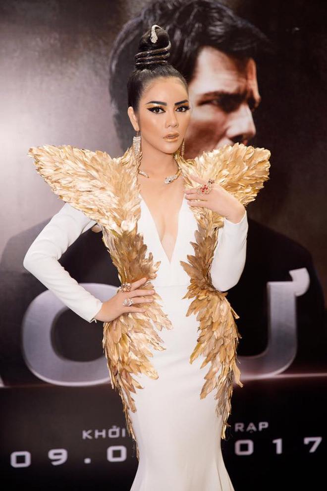 Lý nhã kỳ hoá nữ hoàng ai cập có đôi cánh thiên thần bằng vàng - 2