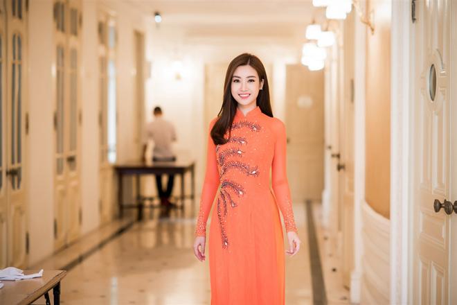 Minh chứng cho thấy hoa hậu đỗ mỹ linh cứ mặc áo dài là đẹp bất chấp - 2