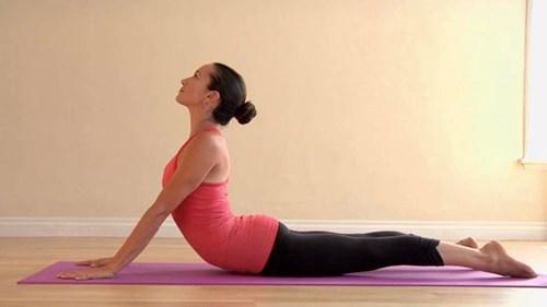 Mỡ bụng lâu năm sẽ bị triệt tận gốc với 3 động tác yoga cơ bản - 2