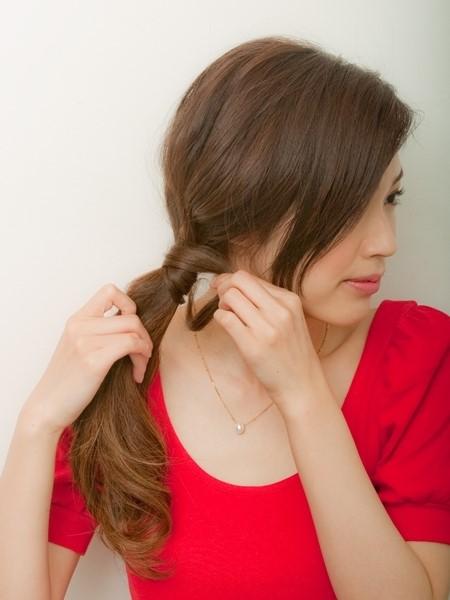Nâng tầm nhan sắc ngoạn mục bằng hàng loạt biến thể của tóc đuôi ngựa - 13