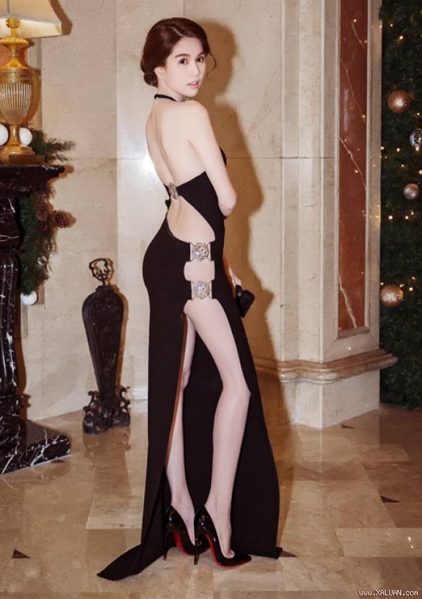 Những lần mặc váy hở táo bạo nhưng bị chê kém duyên của ngọc trinh - 4