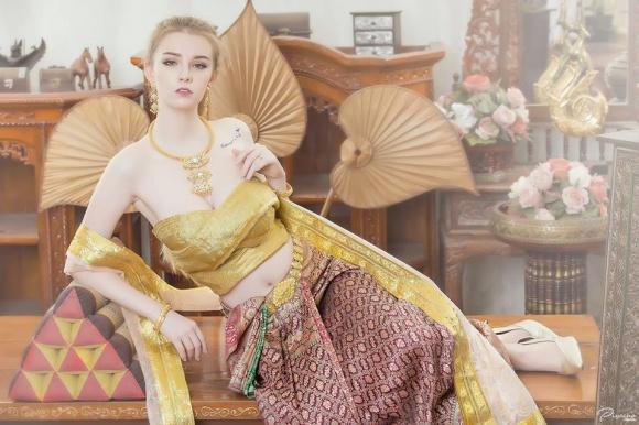Nữ thần 18 tuổi thái lan gây tranh cãi khi mặc đồ truyền thống - 2