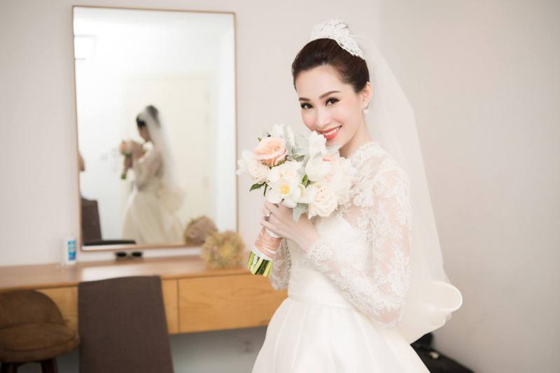 Sao mặc đẹp tuần việt trinh quá trẻ đẹp ở tuổi u50 khi hóa cô dâu với váy cổ điển - 3