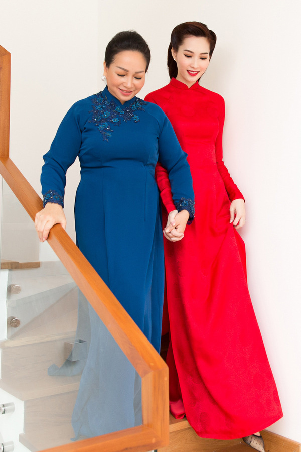Sao mặc đẹp tuần việt trinh quá trẻ đẹp ở tuổi u50 khi hóa cô dâu với váy cổ điển - 5