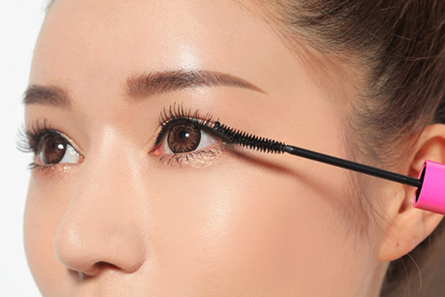 Suốt hàng ngàn năm cây mascara có lịch sử phát triển đáng nể - 8