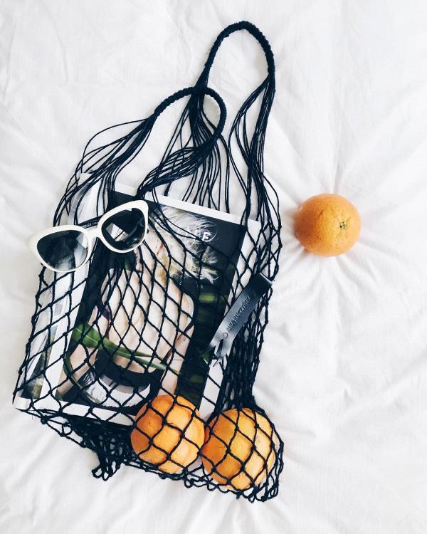 Túi đựng hoa quả của các mẹ bỗng chốc lên đời thành phụ kiện hot hè 2017 - 2