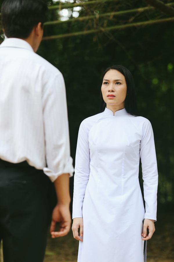 Tưng tửng là thế nhưng khi diện áo dài mỹ tâm cũng dịu dàng đến lạ - 2