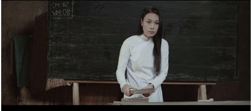 Tưng tửng là thế nhưng khi diện áo dài mỹ tâm cũng dịu dàng đến lạ - 4