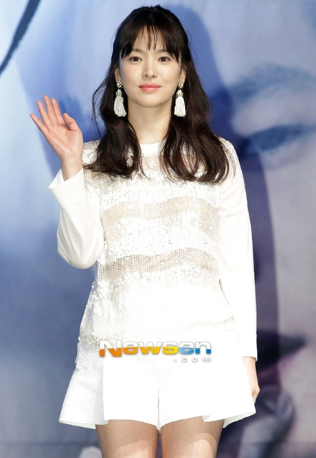 Tưởng giản dị nhưng thật ra song hye kyo cũng chơi hàng hiệu cực đỉnh - 1