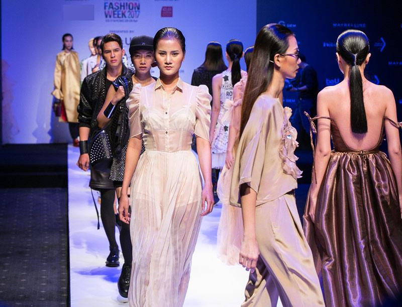 Vietnam international fashion week đã trở lại và lợi hại hơn xưa - 1