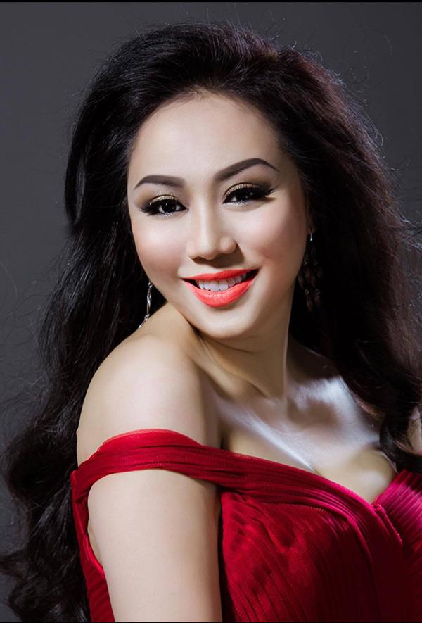 Hoa hậu doanh nhân chi đoàn khoe dáng quyến rũ kiêu sa với đầm dạ hội - 2
