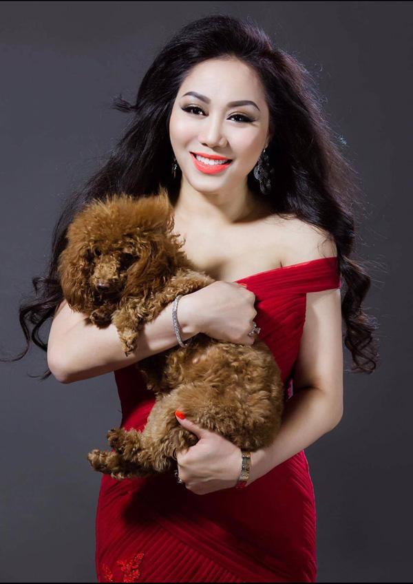 Hoa hậu doanh nhân chi đoàn khoe dáng quyến rũ kiêu sa với đầm dạ hội - 4