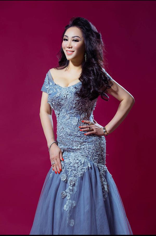 Hoa hậu doanh nhân chi đoàn khoe dáng quyến rũ kiêu sa với đầm dạ hội - 5