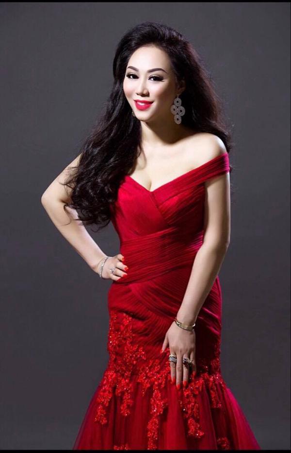 Hoa hậu doanh nhân chi đoàn khoe dáng quyến rũ kiêu sa với đầm dạ hội - 7