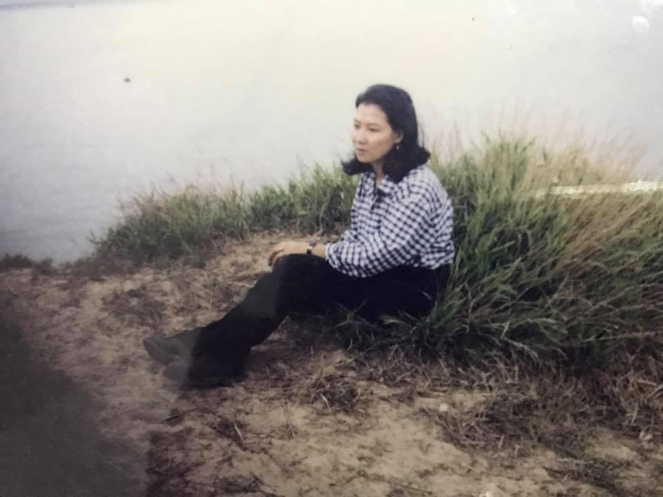 20-30 năm trước không son phấn photoshop mẹ chúng ta vẫn quá đỗi xinh đẹp - 8