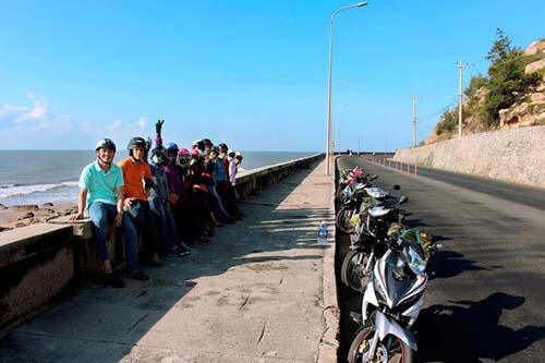 Phượt xe máy cắm trại ngay bãi biển tuyệt vời cách sài gòn tầm 90 km - 1