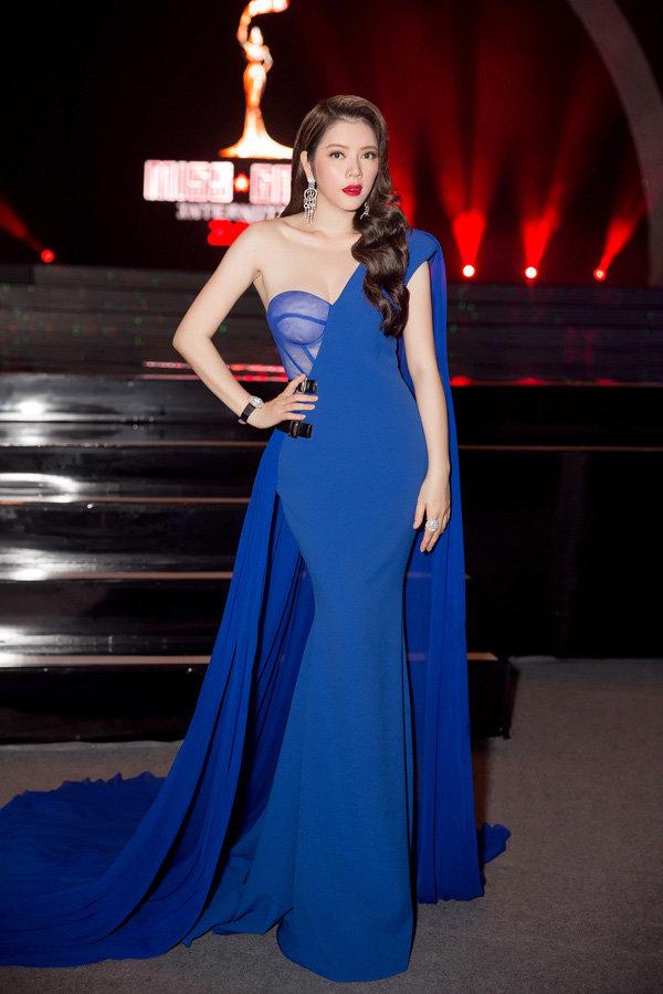 Sao mặc đẹp tuần cùng diện váy xanh phạm băng băng lý nhã kỳ nổi bật khó ai bằng - 1