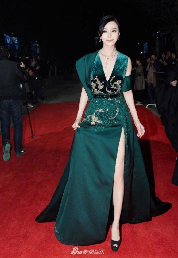 Sao mặc đẹp tuần cùng diện váy xanh phạm băng băng lý nhã kỳ nổi bật khó ai bằng - 9