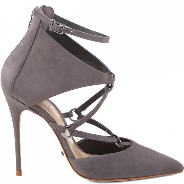 5 ntk hàng đầu dự đoán mốt giày đáng mua nhất thu đông - 14