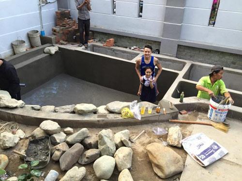 Cao thái sơn khoe hồ cá mới to như bể bơi - 9