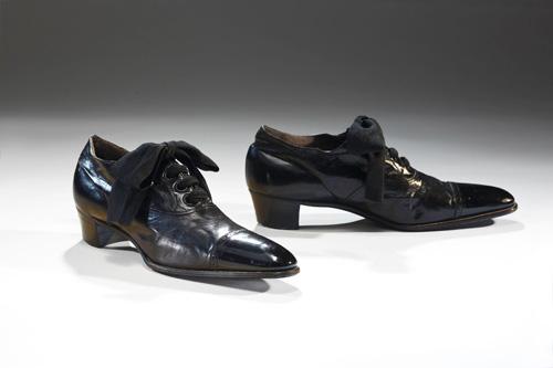 Lật lại lịch sử đôi giày cao gót của nam giới - 2