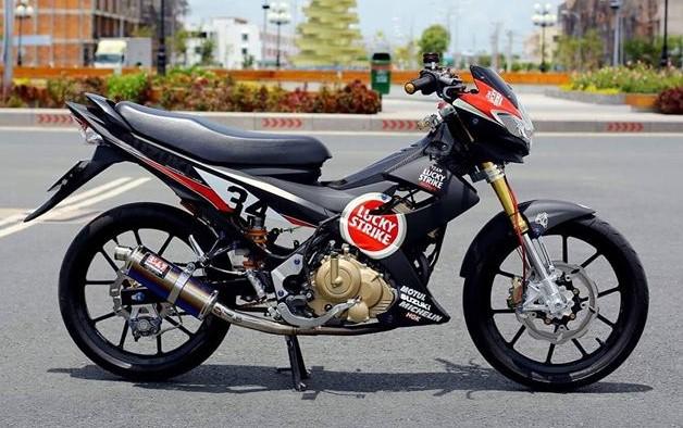 Suzuki raider độ tem đấu cùng loạt đồ chơi đắt giá - 1