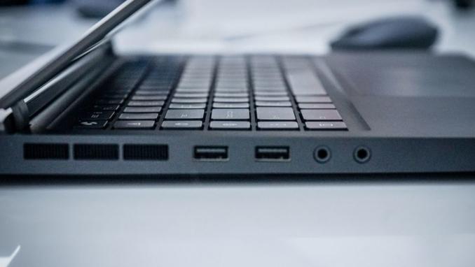 Xiaomi ra mắt chiếc laptop chơi game đầu tiên với cấu hình khủng - 5