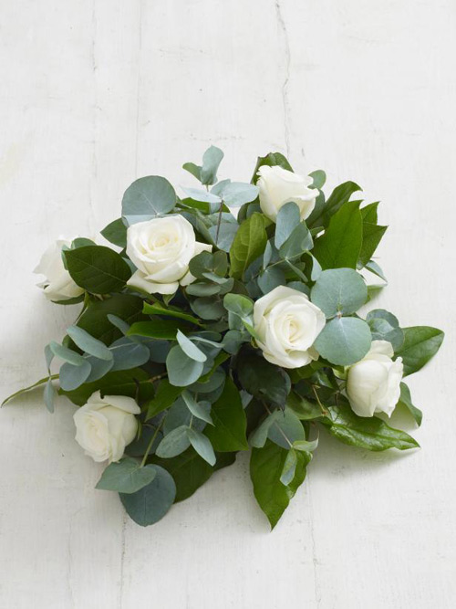 Học cắm hoa hồng trắng đơn giản mà sang - 5