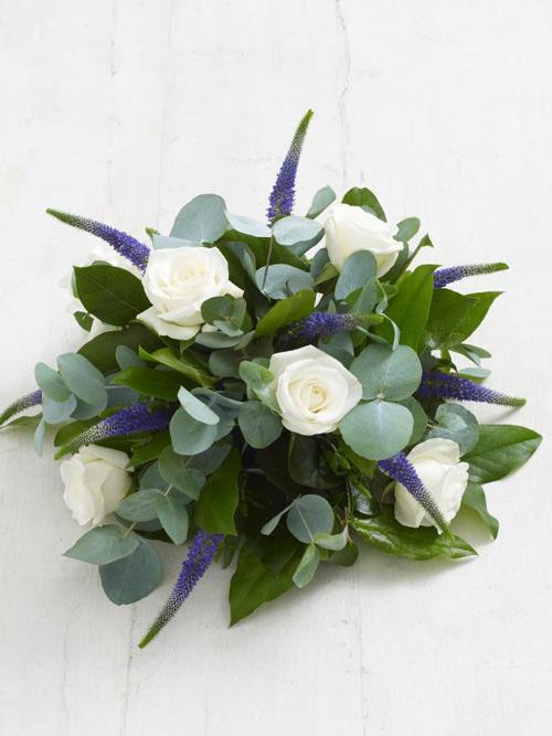 Học cắm hoa hồng trắng đơn giản mà sang - 6