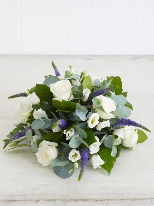Học cắm hoa hồng trắng đơn giản mà sang - 8