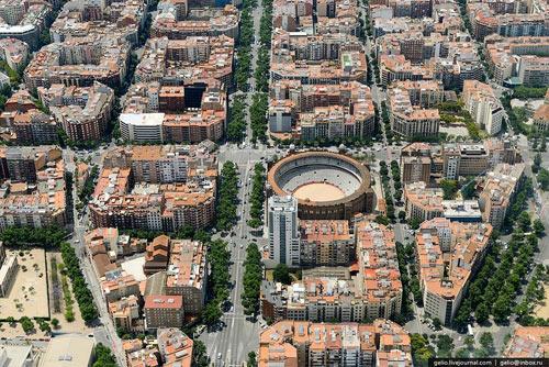 Kiến trúc eixample barcelona khác hẳn việt nam - 6