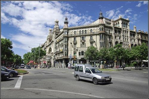 Kiến trúc eixample barcelona khác hẳn việt nam - 9