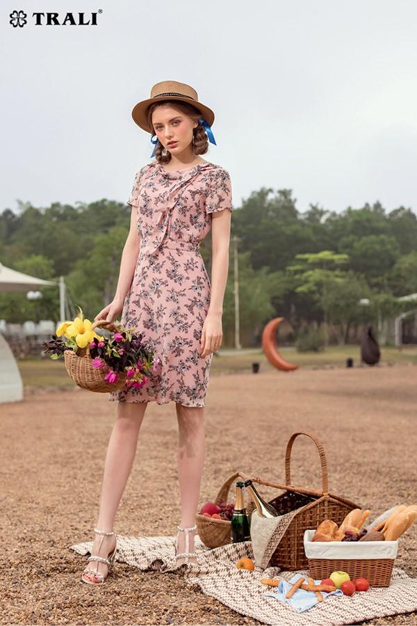 9 phong cách thời trang du lịch cho kỳ nghỉ lễ - 1