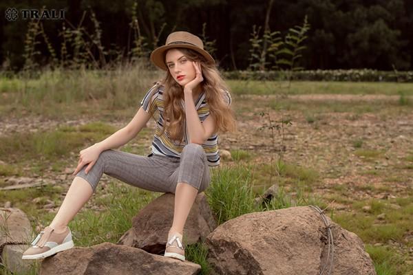 9 phong cách thời trang du lịch cho kỳ nghỉ lễ - 9