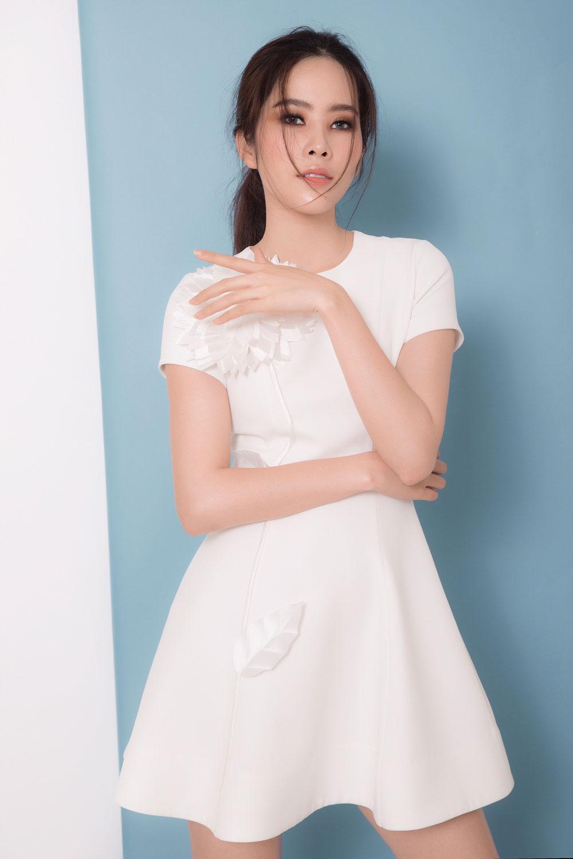 Hậu scandals tình ái nam em trở lại xinh đẹp ngọt ngào với loạt váy ấn tượng - 3