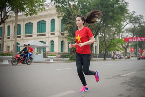 Kỳ duyên xinh đẹp rạng ngời trong ngày chạy vì sức khỏe - 6