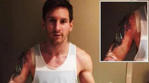 Messi khoe hình xăm mới trước trận siêu kinh điển - 4
