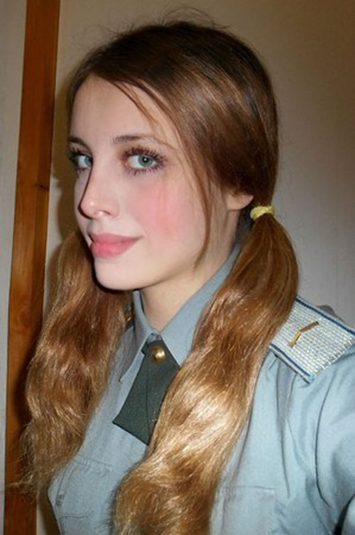Ngỡ ngàng trước vẻ đẹp mê hoặc của nữ lính dù nga - 14