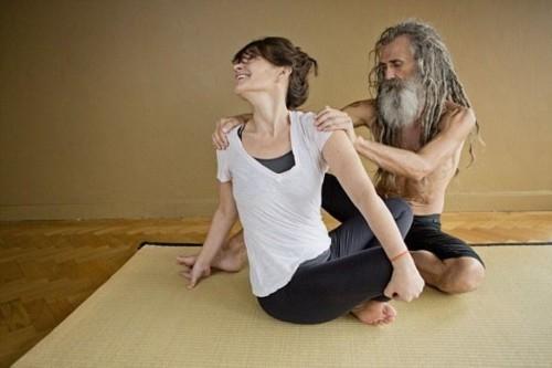 Người đàn ông dạy yoga nổi tiếng nhất nước anh - 3