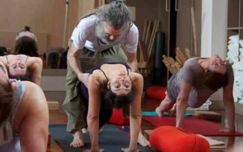Người đàn ông dạy yoga nổi tiếng nhất nước anh - 5