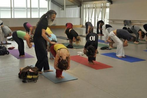 Người đàn ông dạy yoga nổi tiếng nhất nước anh - 6