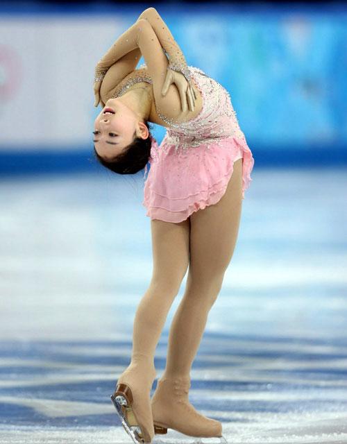 Những tư thế trượt băng nghệ thuật tuyệt đẹp - 2