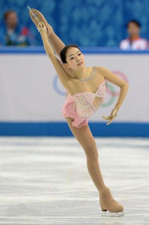 Những tư thế trượt băng nghệ thuật tuyệt đẹp - 3