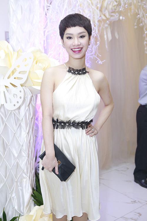Tuần qua cô dâu tâm tít đẹp rạng ngời trong ngày cưới - 9